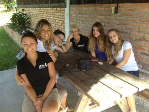 Chiara con il gruppo di volontarie partite per l'Honduras.