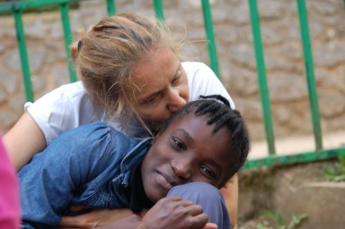 L'incontro di Agnese con Raphnide, la bambina che ha adottato a distanza