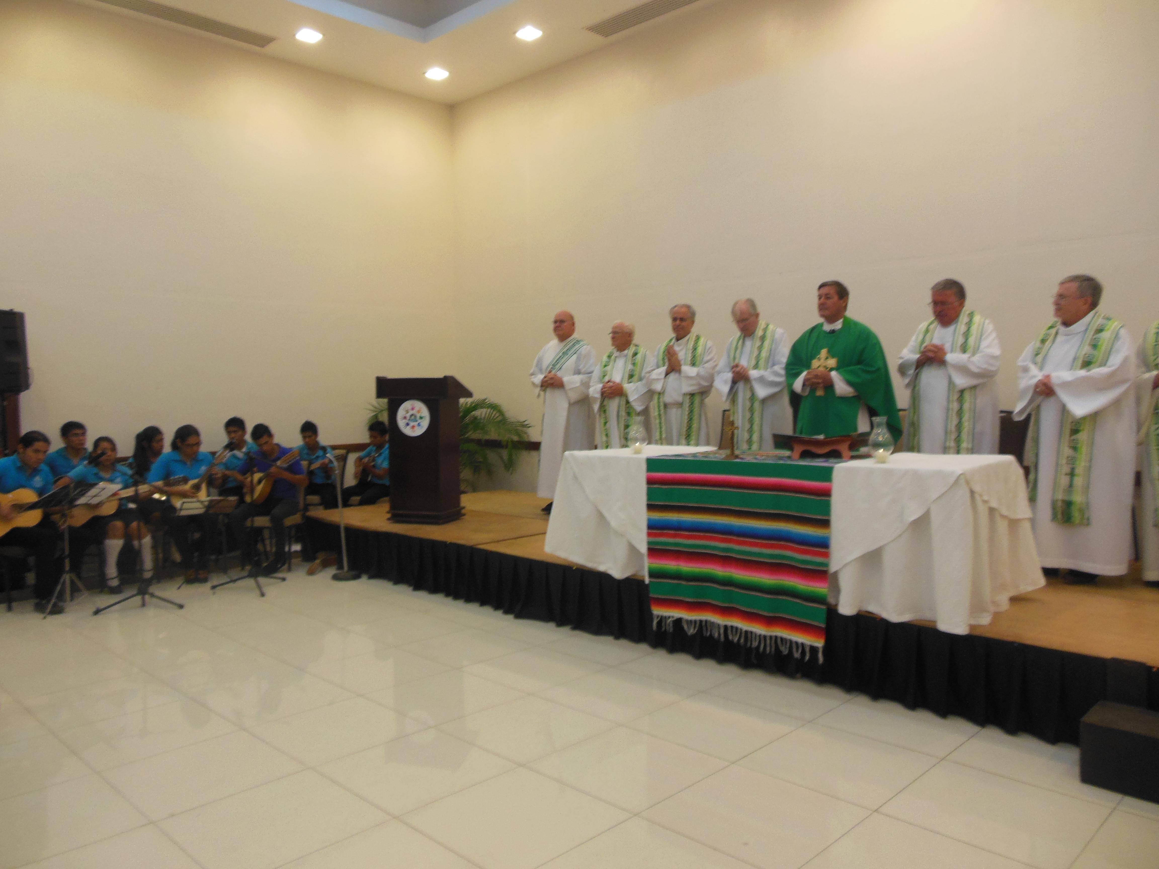 174.Cuernavaca, osteria las quintas, messa con Padre Rick 5, 14.02.2014